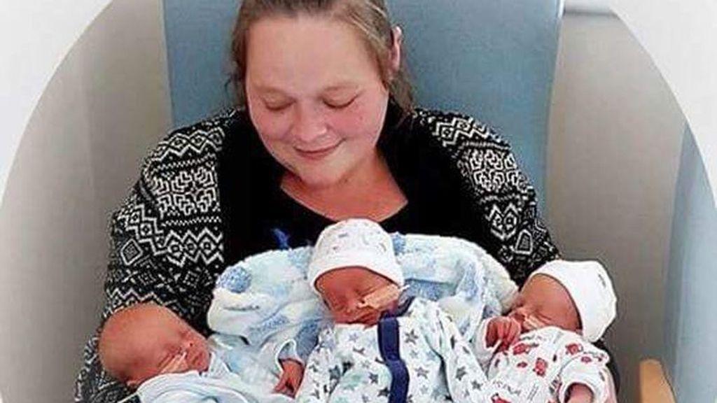 Tras perder a dos de sus trillizos recién nacidos, sufre otro duro golpe