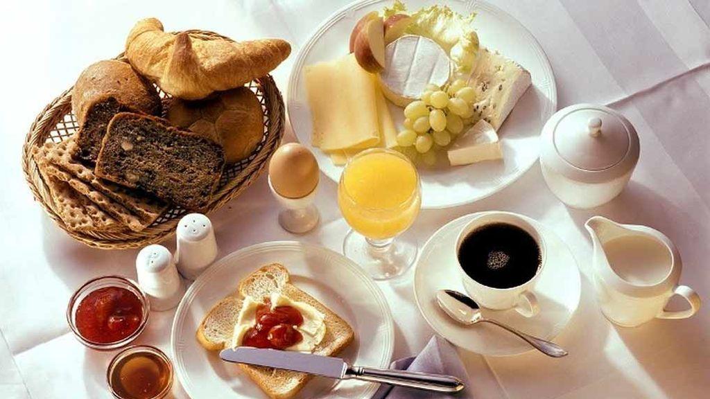 Científicos descubren que saltarse el desayuno perjudica la salud arterial