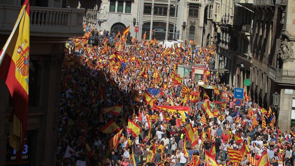 La mayoría silenciosa se hace oír en las calles de Barcelona