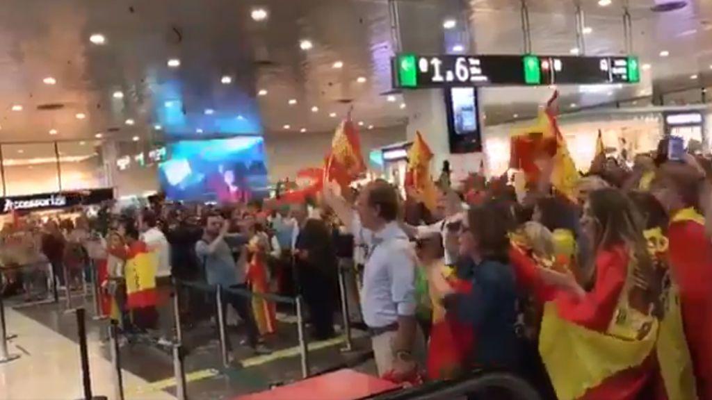 Abuchean a Pablo Iglesias en Barcelona y él contesta en Twitter