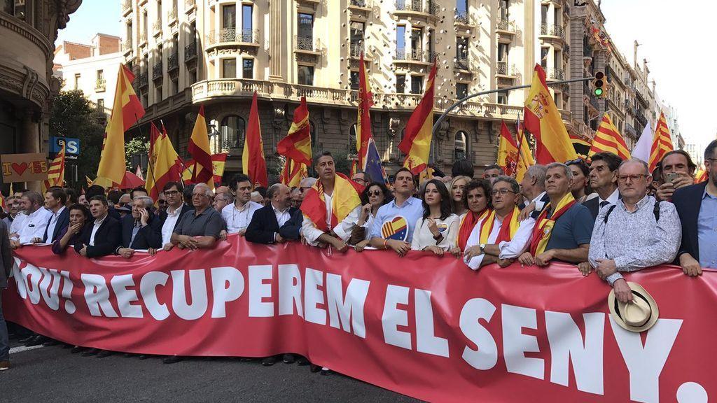 Los políticos encabezan la manifestación por la unidad de España en Barcelona
