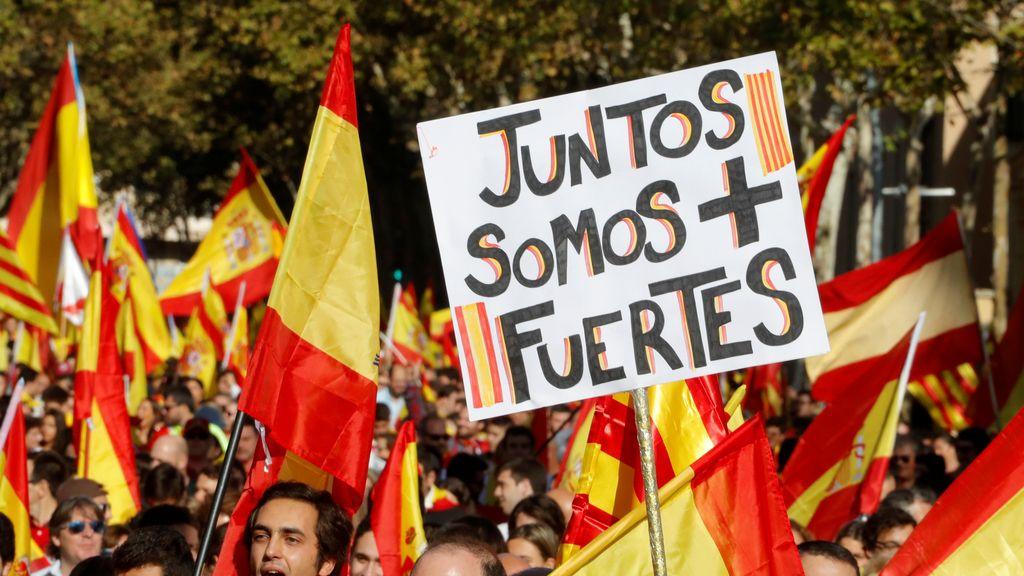 La manifestación ha sido convocada por Sociedad Civil Catalana