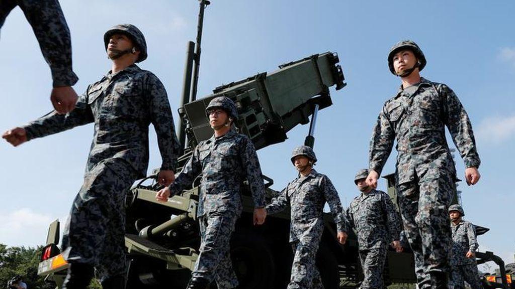 Japón revisa la unida en su Ministerio de Defensa