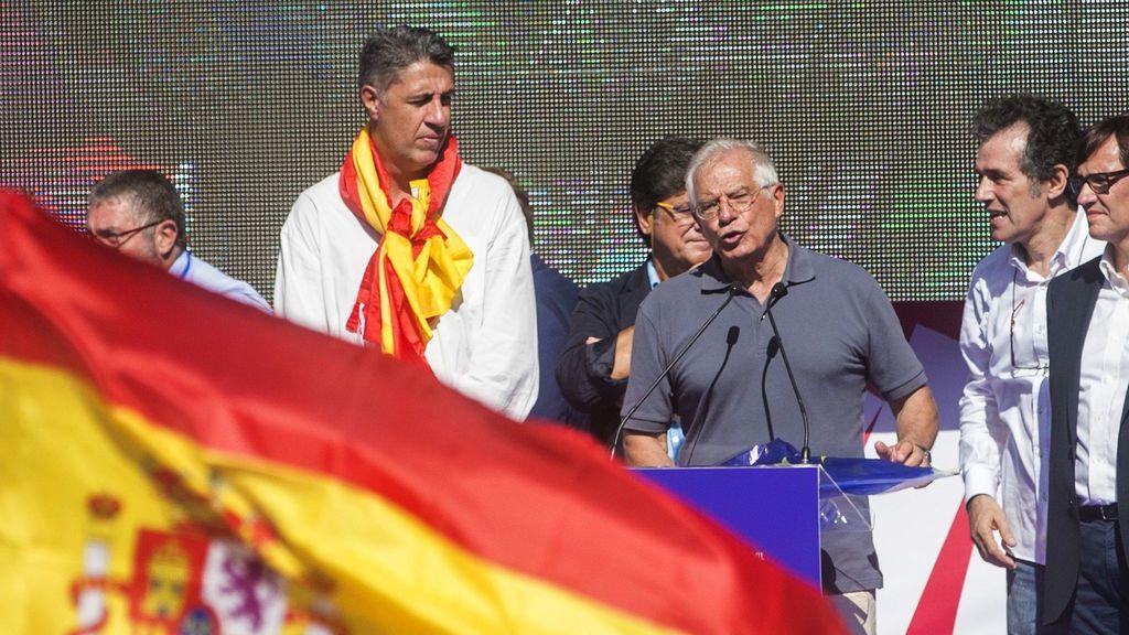 """Borrell, a las empresas que salen de Cataluña: """"¿No lo podíais haber dicho antes?"""""""