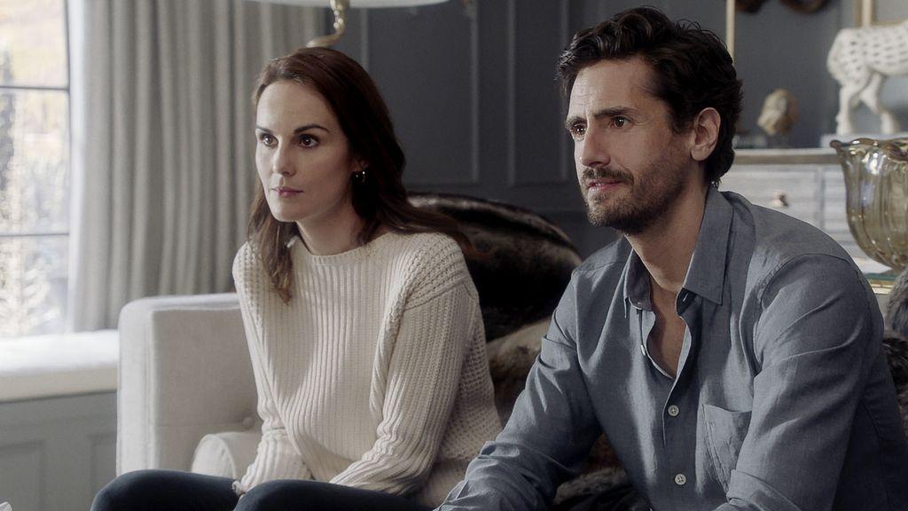 Michelle Dockery y Juan Diego Botto en la segunda temporada de 'Buena conducta'