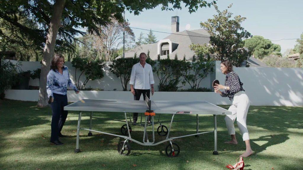 Conchita Martínez y Muguruza y su partida al tenis… de mesa