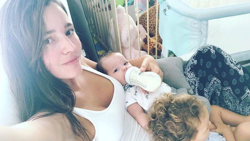 """Malena Costa contesta a quienes la acusan de no dar el pecho a su hijo: """"simplemente he hecho lo que yo creía que debía hacer. Eso no me hace ni mejor ni peor madre"""""""
