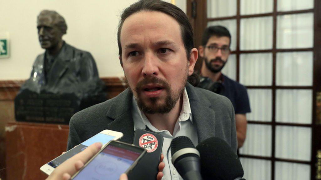 """Iglesias insiste en pedir diálogo entre Gobierno y Generalitat aunque Puigdemont declare una DUI """"sin efectos"""""""