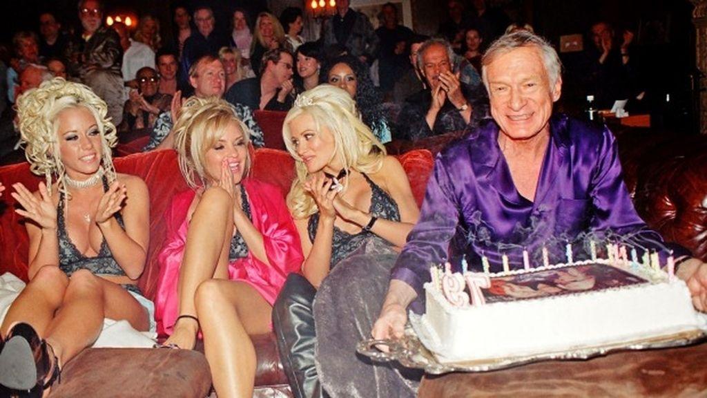 Hugh Hefner en la mansión de Playboy