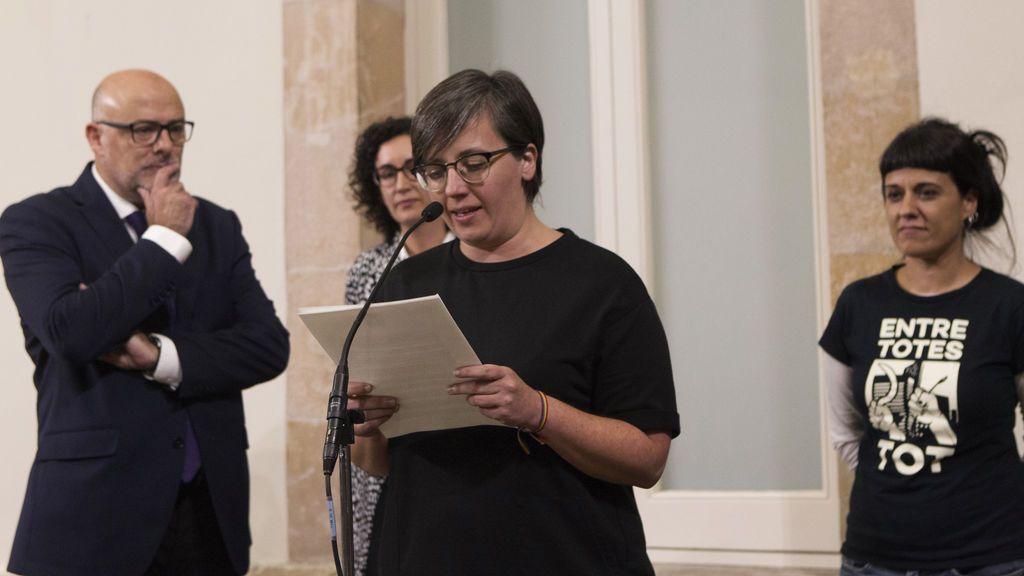 La CUP da un mes a Puigdemont para negociar y no descarta abandonar el Parlament