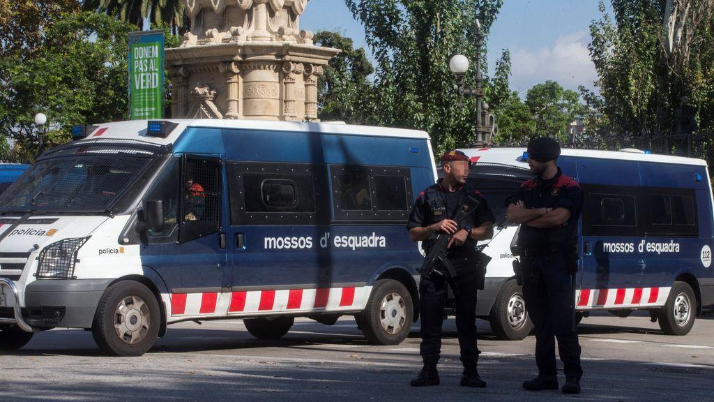 Interior incrementa la presencia policial en aeropuertos, estaciones, fronteras y edificios del Estado en Cataluña