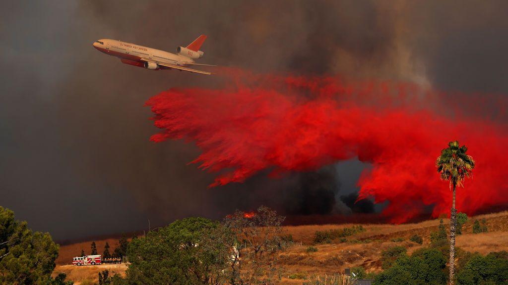 En imágenes: los 15 fuegos que devastan California
