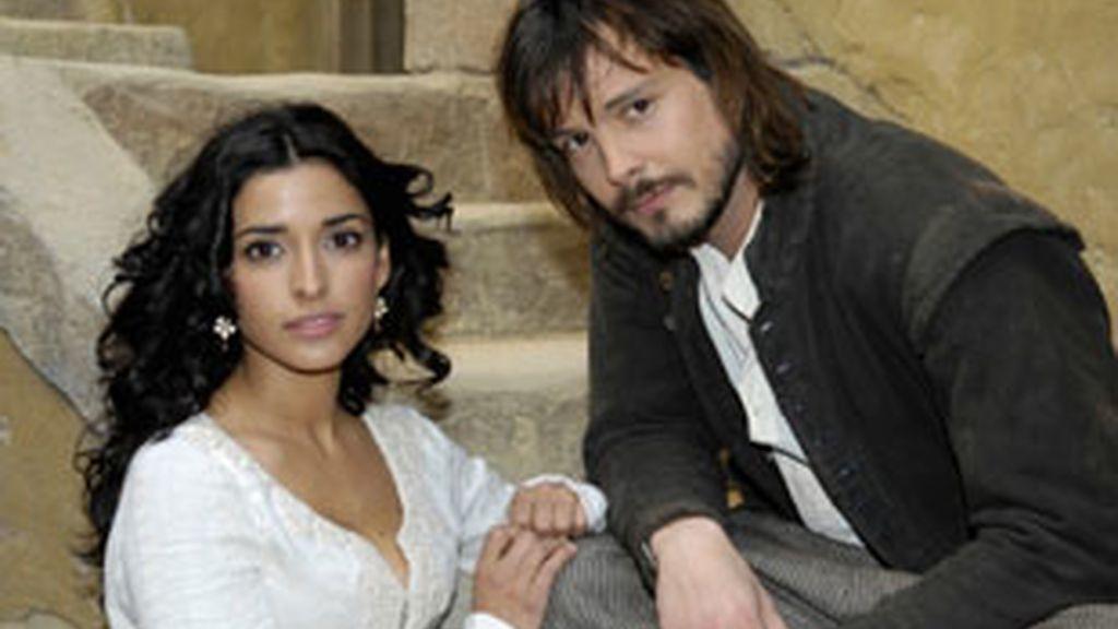 Inma Cuesta y David Janer, protagonistas de 'Águila Roja'.