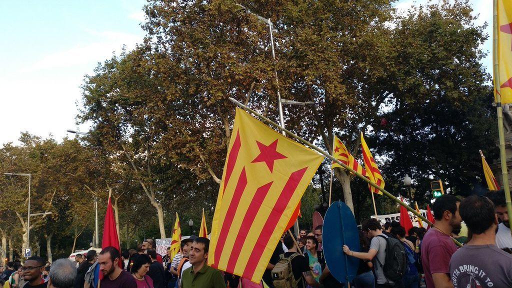 """Las juventudes de la CUP tildan de """"traición inadmisible"""" el discurso de Puigdemont"""
