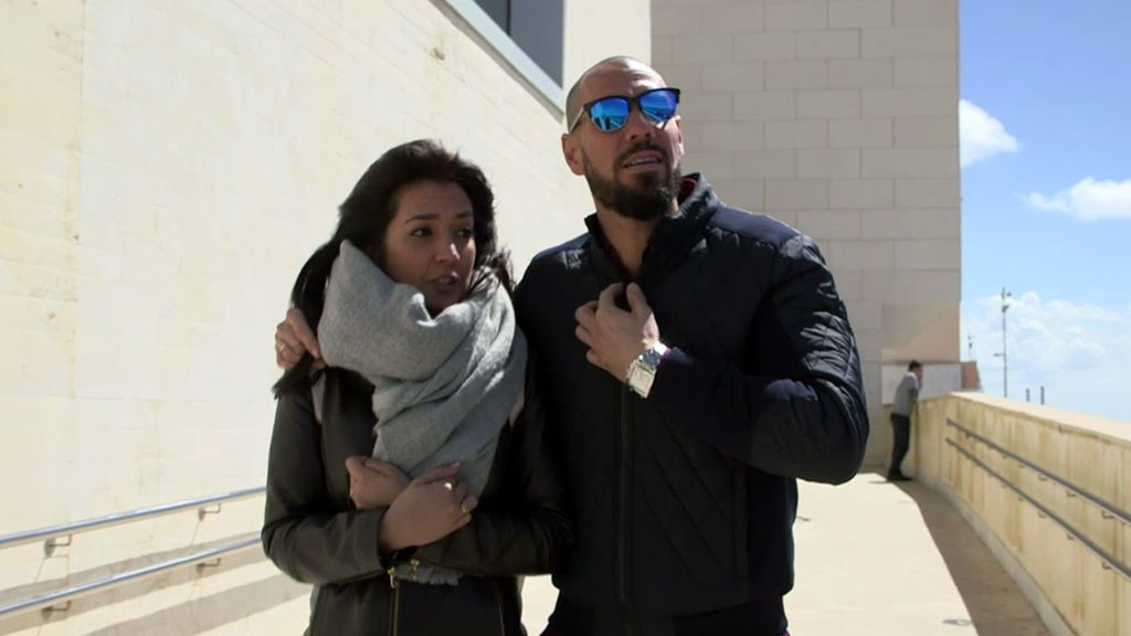 Álvaro y Gema acuden por fin a la entrevista para ser padres adoptivos