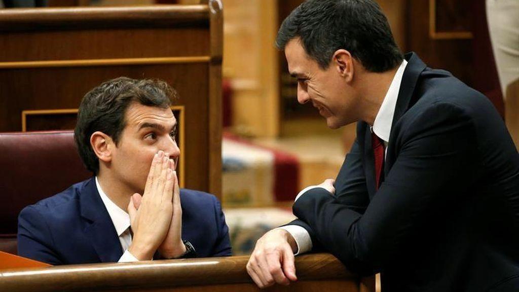 El PSOE y Ciudadanos retiran las preguntas que iban a hacer al Gobierno sobre Cataluña