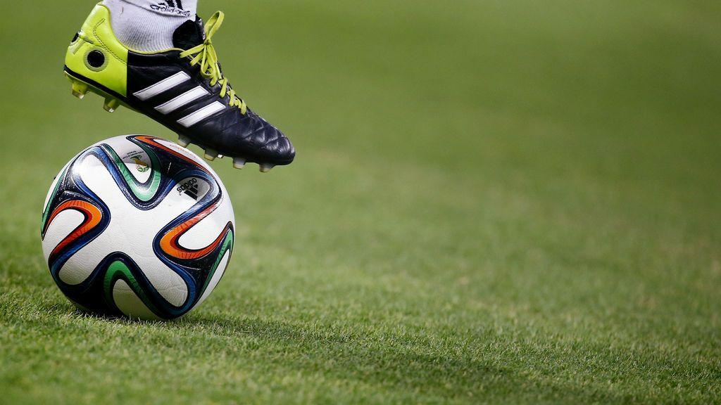 Muere un joven de 18 años al desplomarse mientras jugaba al fútbol en Cádiz