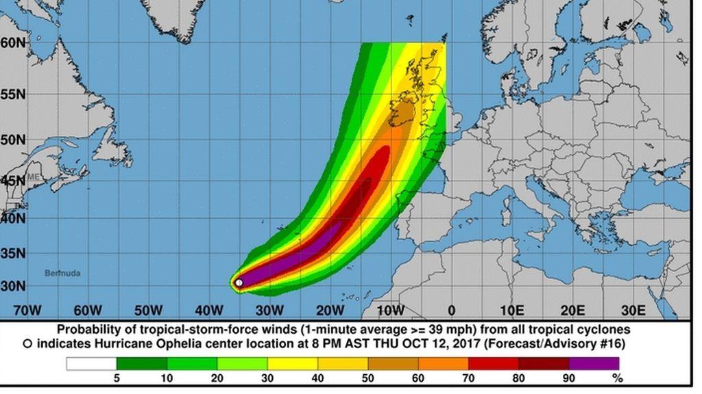 Ophelia se convierte en huracán y podría tocar tierra en Irlanda