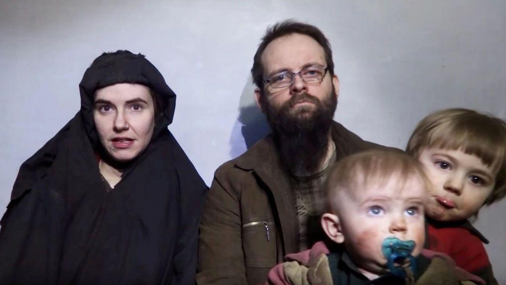 Liberada una pareja en Pakistán tras cinco años de secuestro en el que tuvieron tres hijos