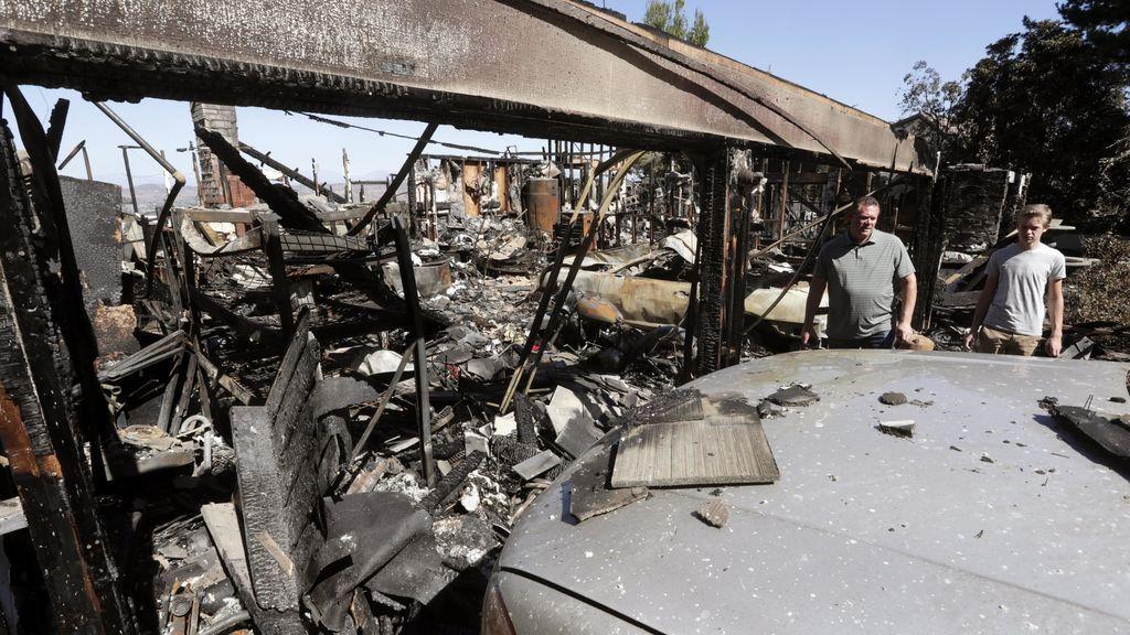 Aumenta a 36 el número de muertos por los incendios forestales en California