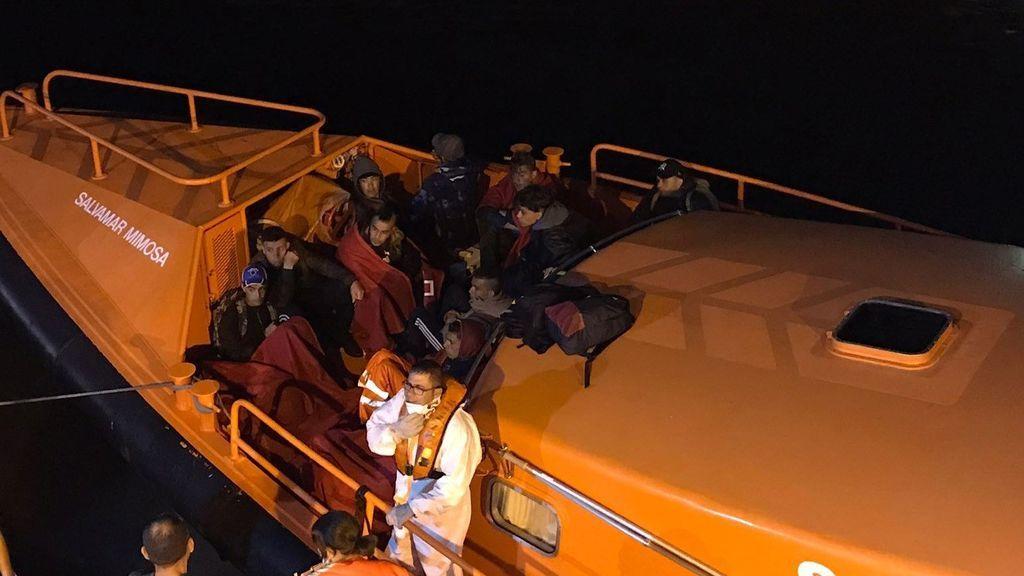 Un centenar de inmigrantres han llegado a Murcia en 9 pateras en menos de 24 horas