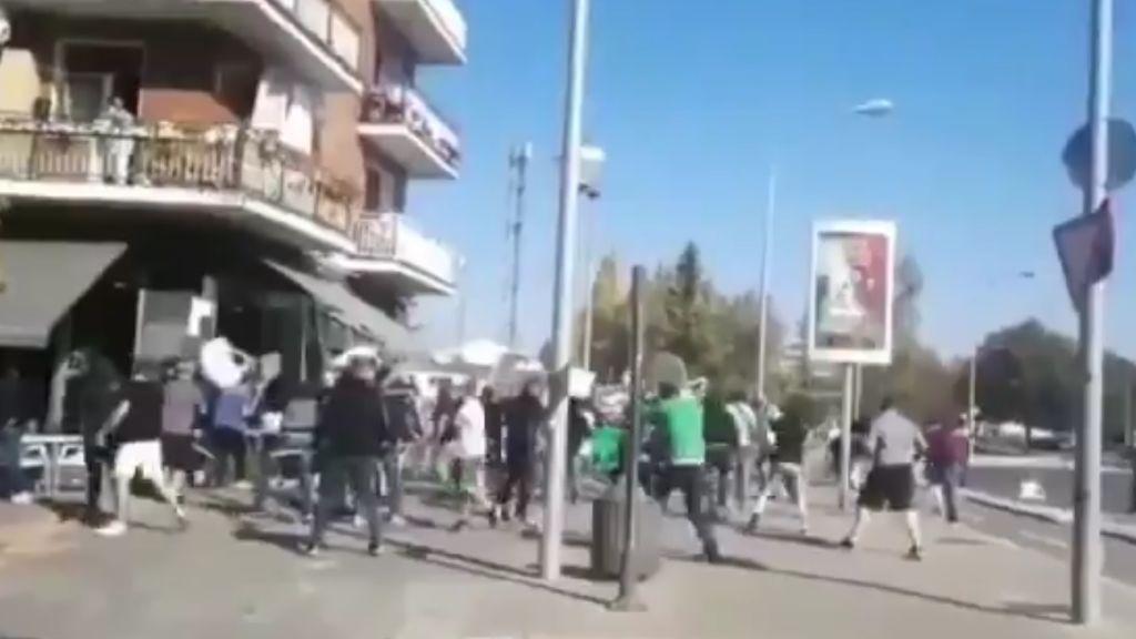 Una brutal pelea de ultras de Racing y Alavés deja 4 heridos, uno de ellos en la UCI