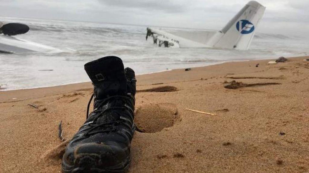 Cuatro muertos y seis heridos al estrellarse un avión en Costa de Marfil