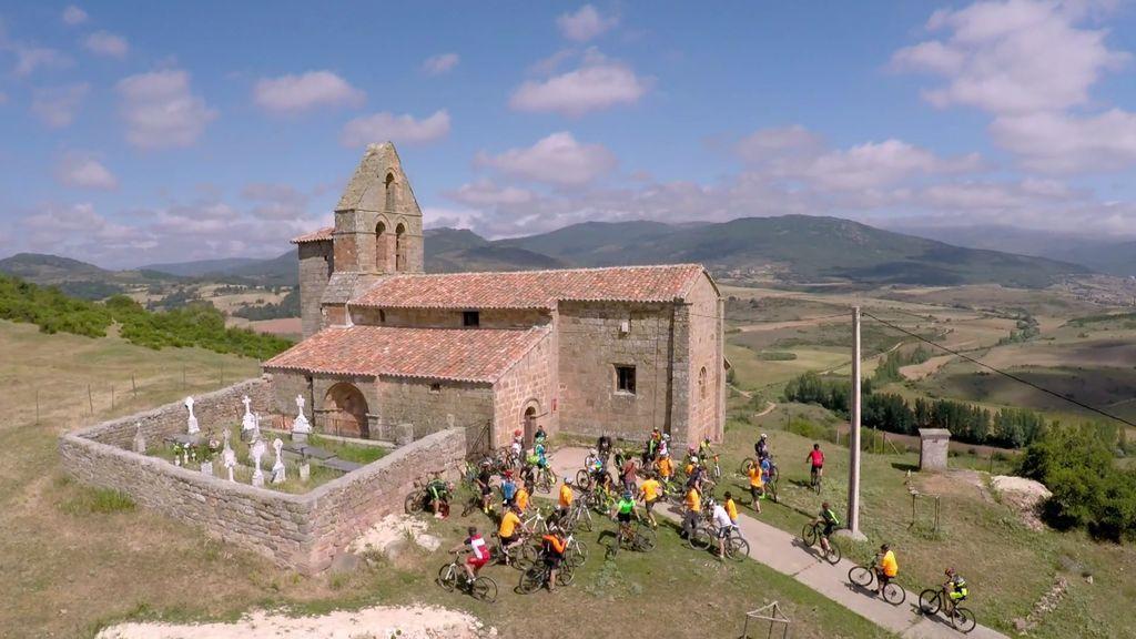 ¡Reto conseguido! Jesús Calleja crea una ruta ciclista por el románico de Palencia