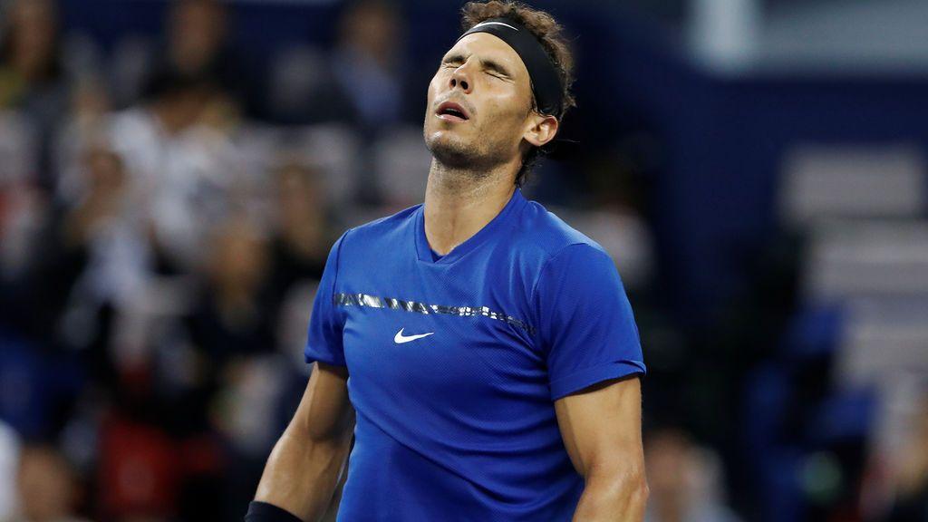 Federer frena al huracán Nadal y se lleva el Open de Shanghai (6-4,6-3)
