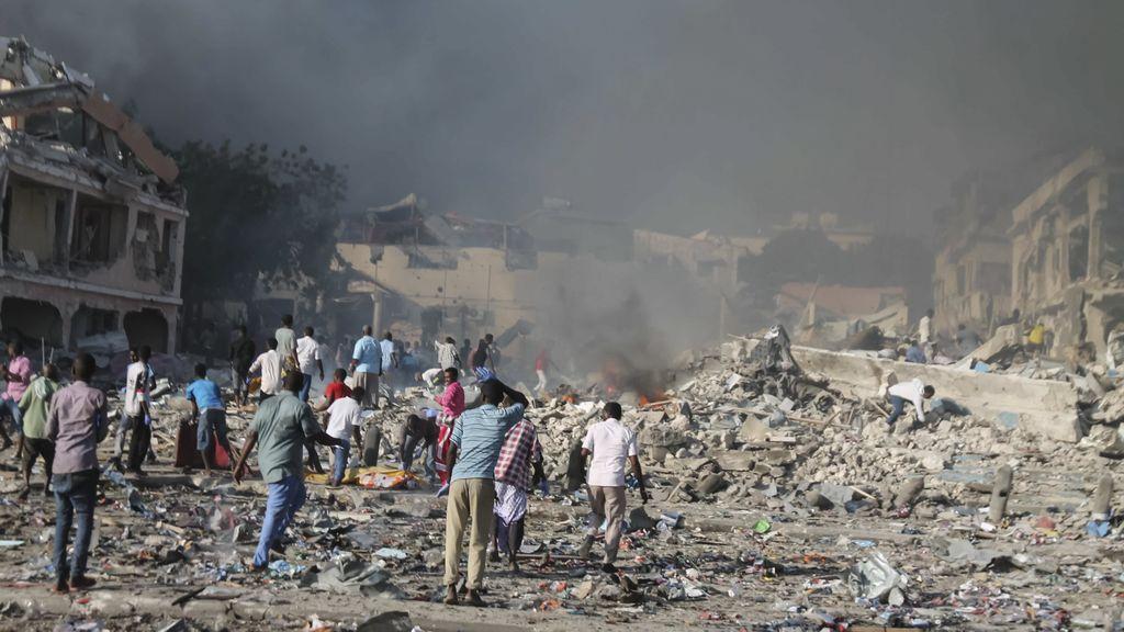 Más de 230 muertos y más de 200 heridos en el mayor atentado de Somalia