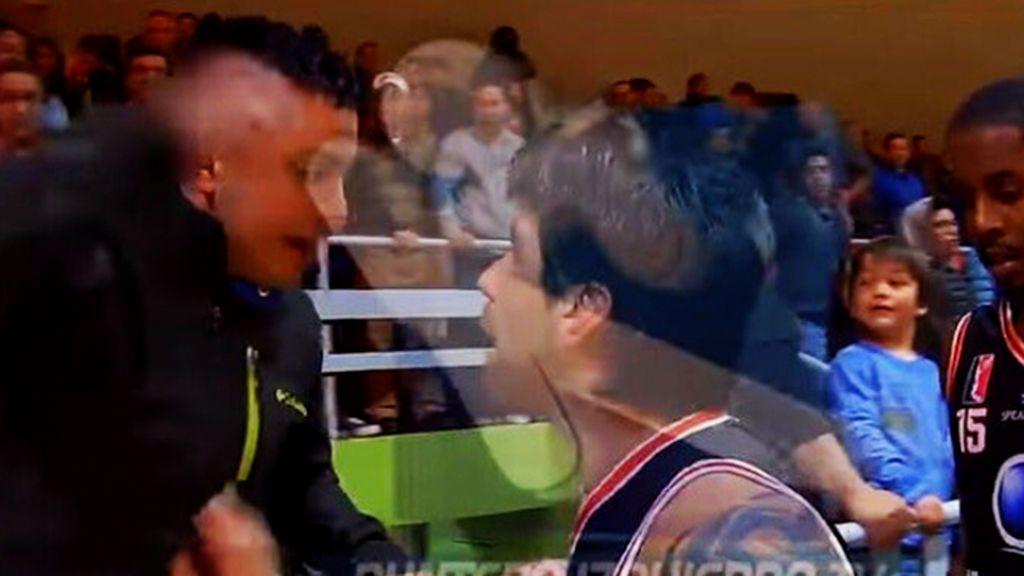 ¡Lamentable! La brutal agresión de un jugador chileno de baloncesto a un aficionado