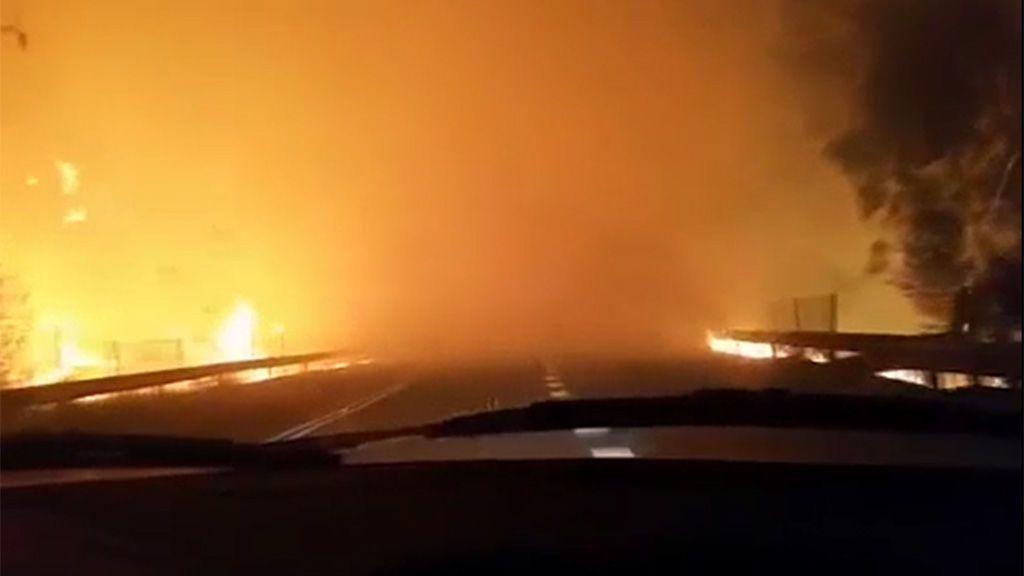 """""""Estamos en el fuego"""": el desgarrador testimonio de una pareja atrapada por las llamas en una carretera gallega"""