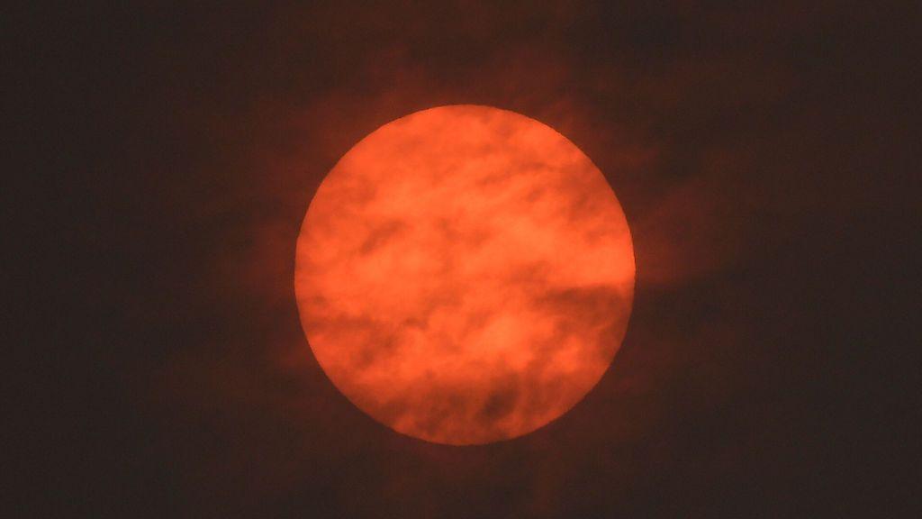 El Sol se torna rojo tras el paso de Ophelia