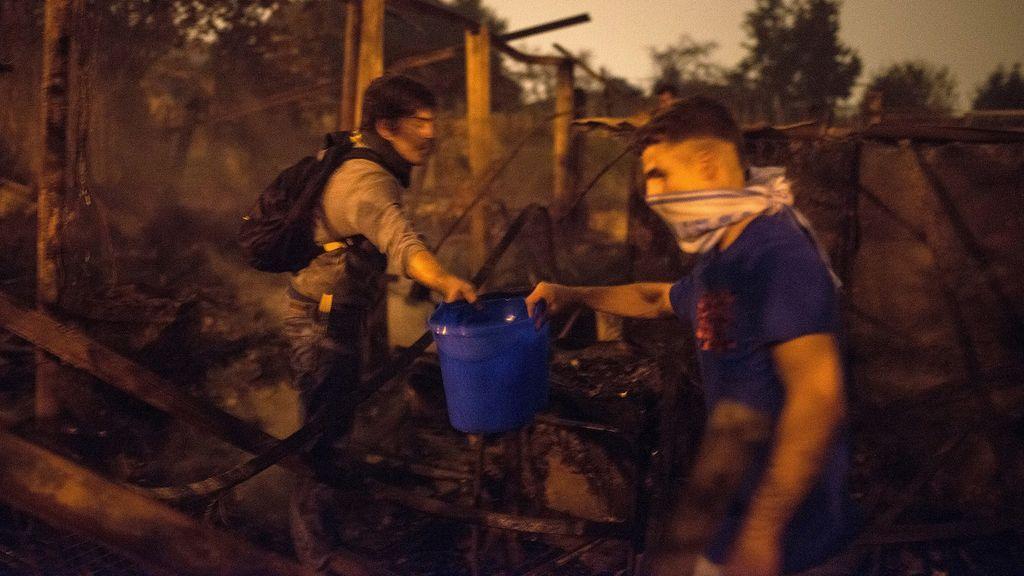 Incendio en Baiona: Los vecinos, entre el pánico y la desesperación de salvar sus casas