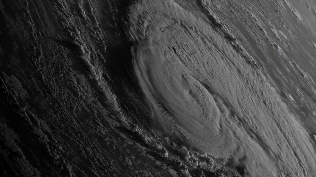 El huracán Ophelia visto desde el espacio