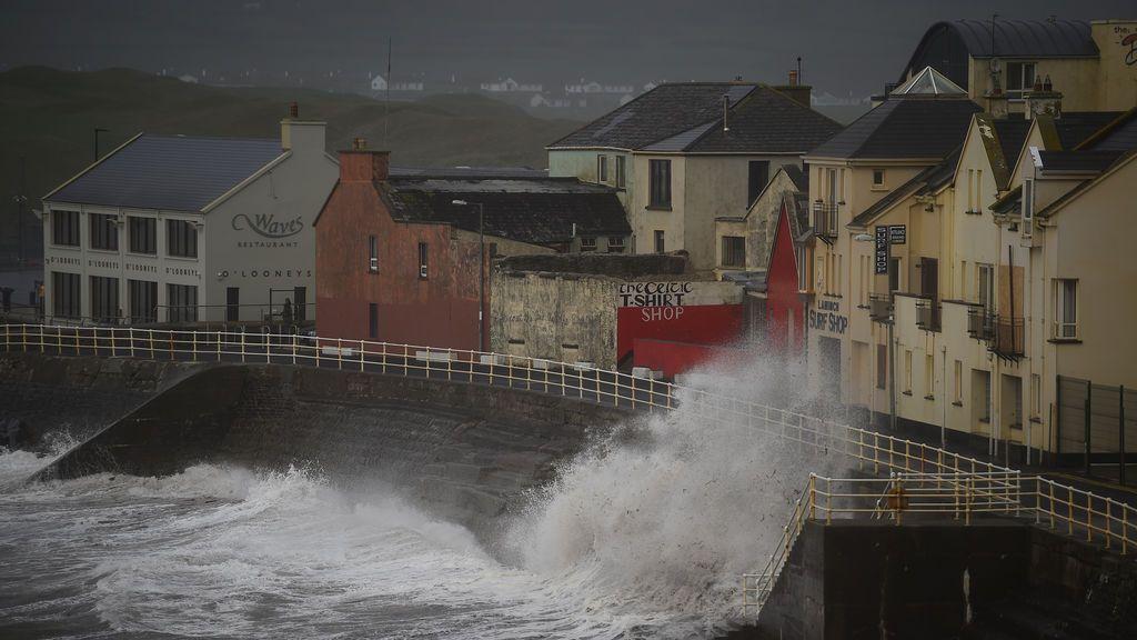 Los vientos barren la costa irlandesa