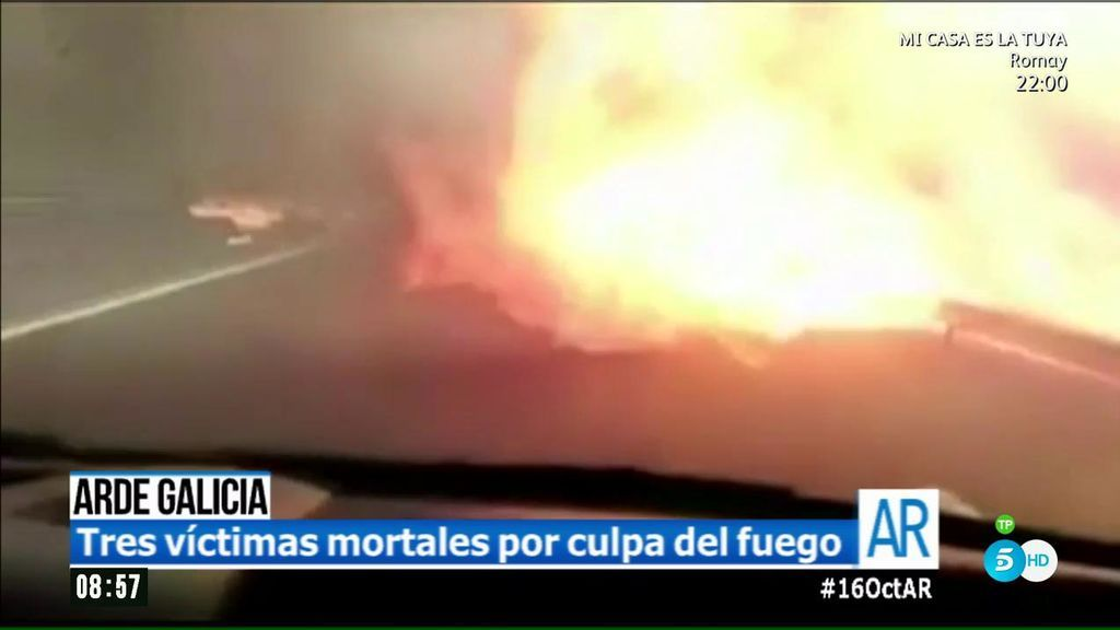 Impactantes imágenes de un coche a punto de ser atrapado por el fuego en Galicia