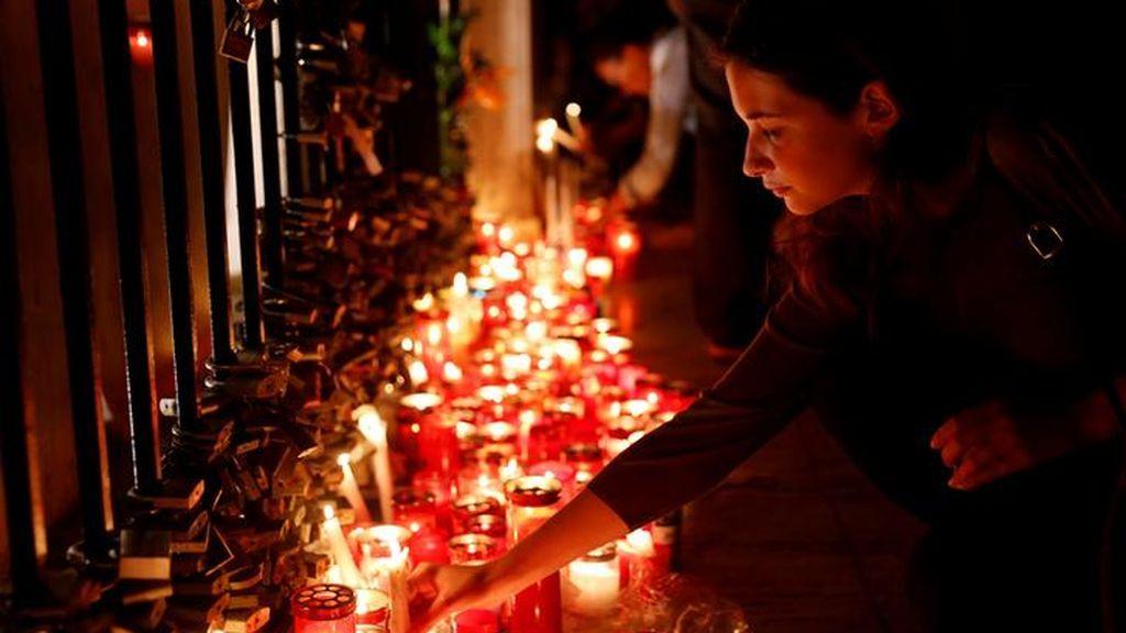Protesta en forma de vigilia contra el asesinato de una periodista de investigación en Malta