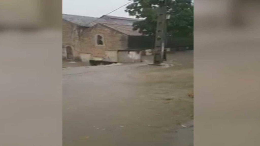 Una tromba de agua anega la provincia de Huelva y deja a 5.000 personas sin luz