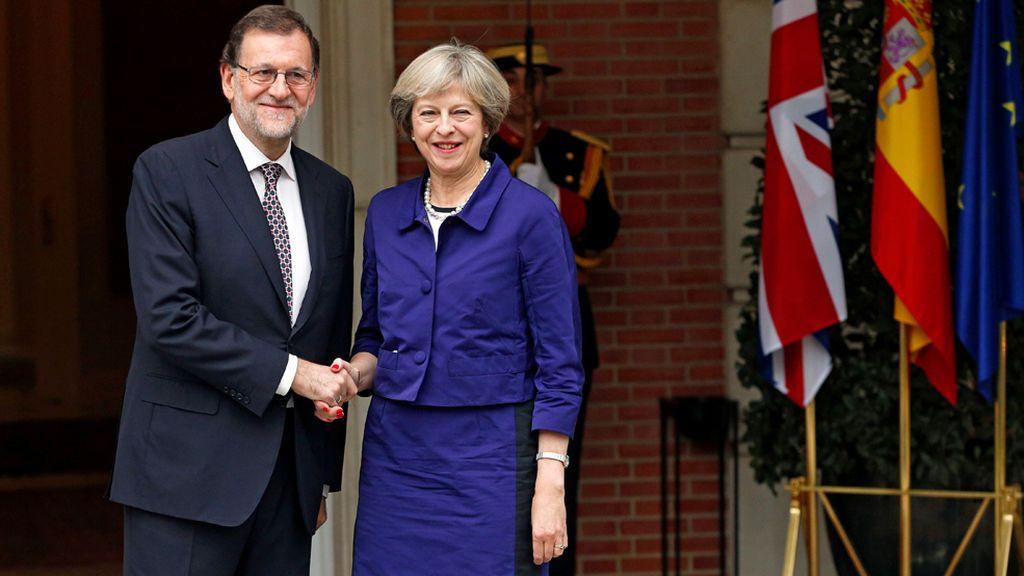 May asegura a Rajoy que Reino Unido no reconocerá una declaración de independencia de Cataluña