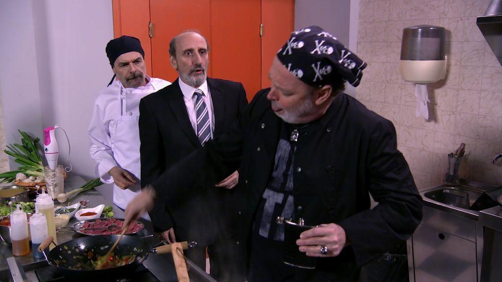 Desastre inminente: Antonio y Enrique montan un restaurante con un chef alcohólico