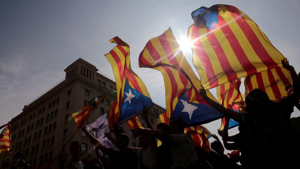 ANC y Òmnium llaman a retirar efectivo en los principales bancos de Cataluña