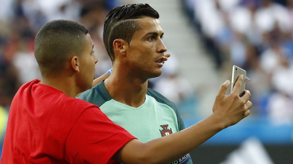 ¡Cuidado! Tu hijo no quiere ser futbolista, quiere ser Cristiano o Messi: desmitificando a las estrellas del deporte