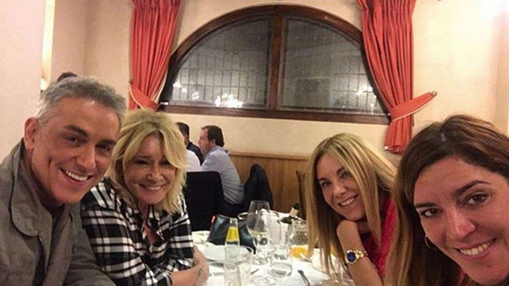 ¡Felices los 4! Belén Ro, Kiko Hernández y Mila de cena con la subdirectora de 'Sálvame'