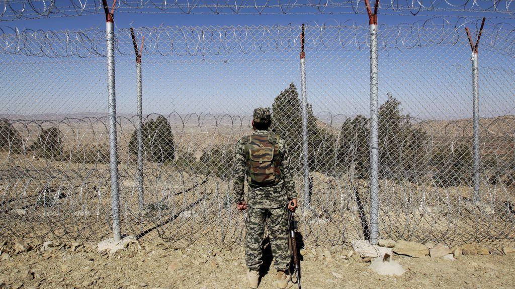 Mueren 43 militares en un atentado suicida de los talibán en el sur de Afganistán