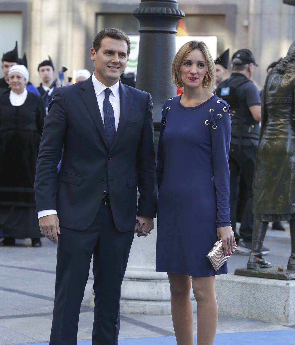 Albert Rivera y Beatriz Tajuelo, a su llegada a los premios Princesa de Asturias