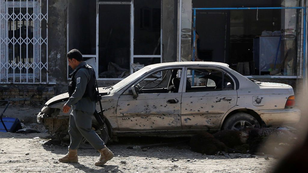 Dos explosiones en dos mezquitas chiíes de Afganistán provocan decenas de muertos