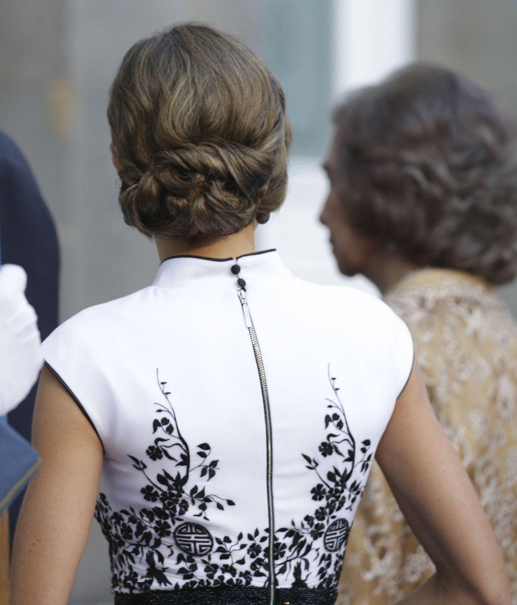 Con un Varela en blanco y negro,  junto a  Felipe  y Sofía y sin lluvia: la llegada de la reina y los invitados a los Premios Princesa de Asturias