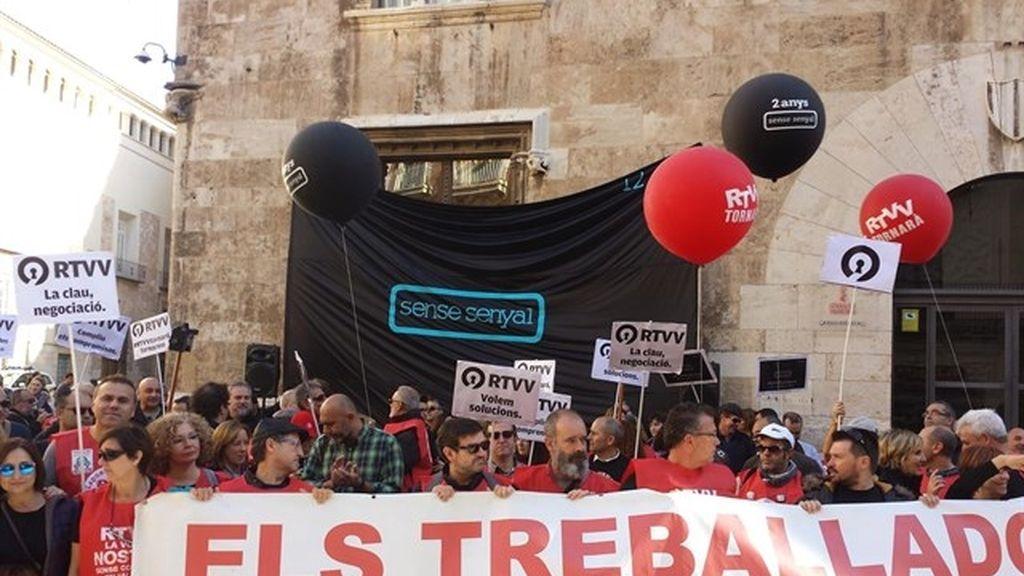 Concentración en contra del ERE de RTVV en 2012