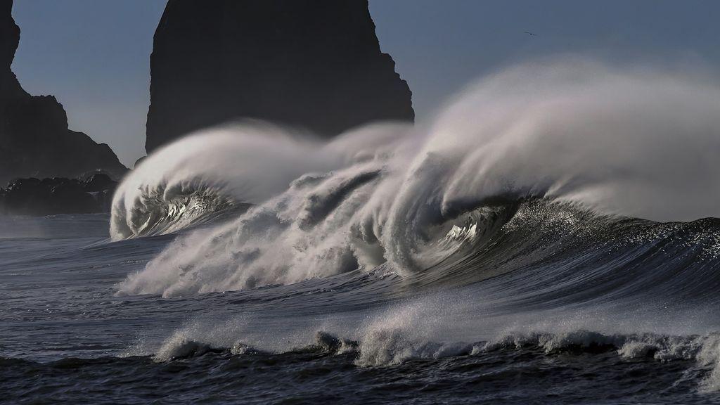 ¿Vas a ver las olas? 5 consejos para salir sano y salvo de la primera marejada del otoño